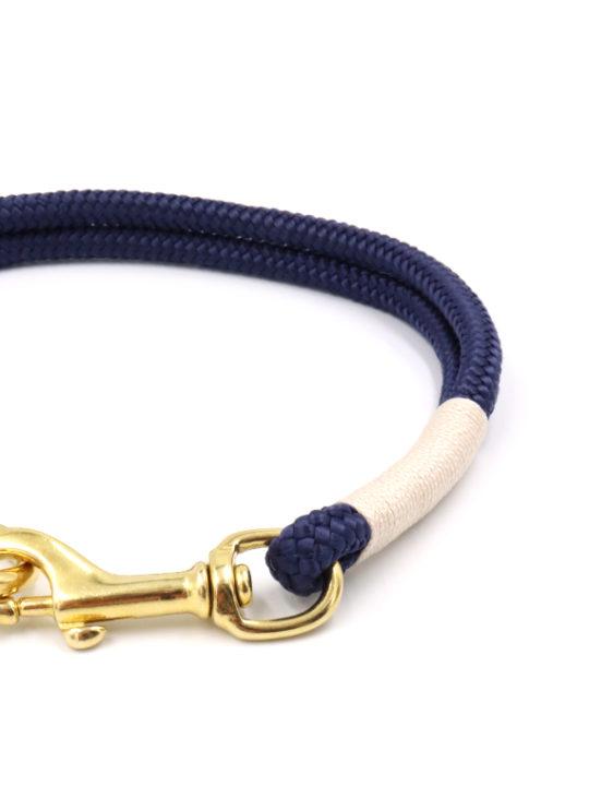 Tauhalsband deep blue detail
